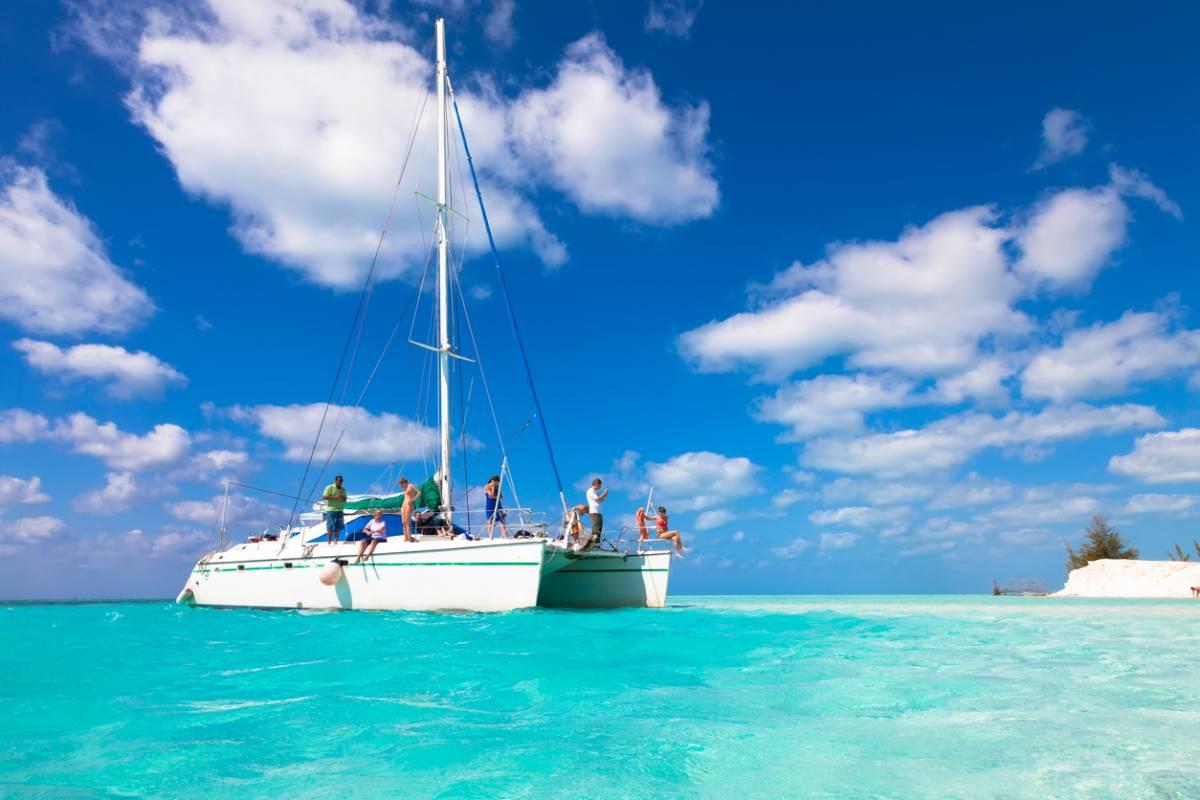 visuel-catamaran-antillais-explorer-sites-beaux